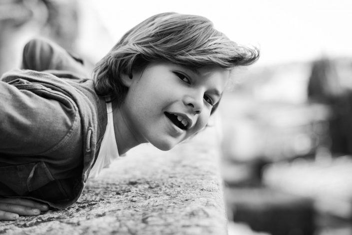Ritratto bambini book Verona. Fotografo Ritrattista Veronese che realizza ritratti fotografici in studio o presso le vostre abitazioni